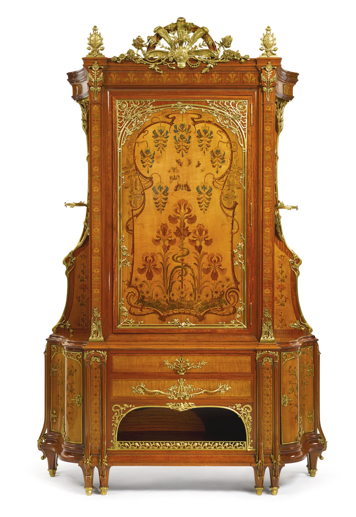 Magnifico gabinete francés firmado Theodore Millet