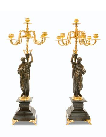 Par de candelabros de bronce Franceses de estilo Imperio