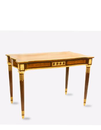 Mesa francesa de estilo Louis XVI con monturas de bronce