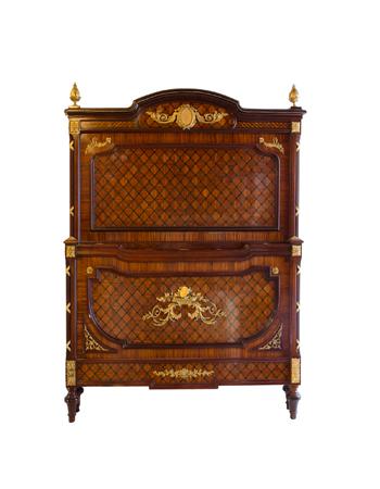 Fina cama francesa con montura de bronce de estilo Louis XVI