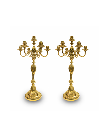 Par de importantes candelabros de plata inglesa por Garrard