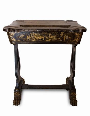 Costurero de origen ingles del siglo XIX con escenas orientales