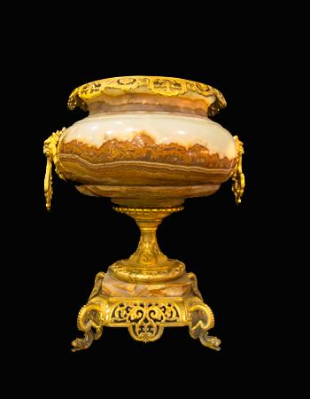 Gran copon realizado en onyx con montura de bronce